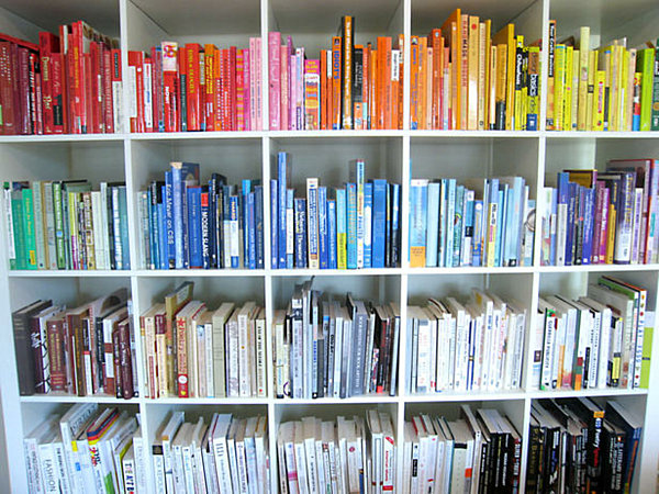 bookshelf-arranged-by-color